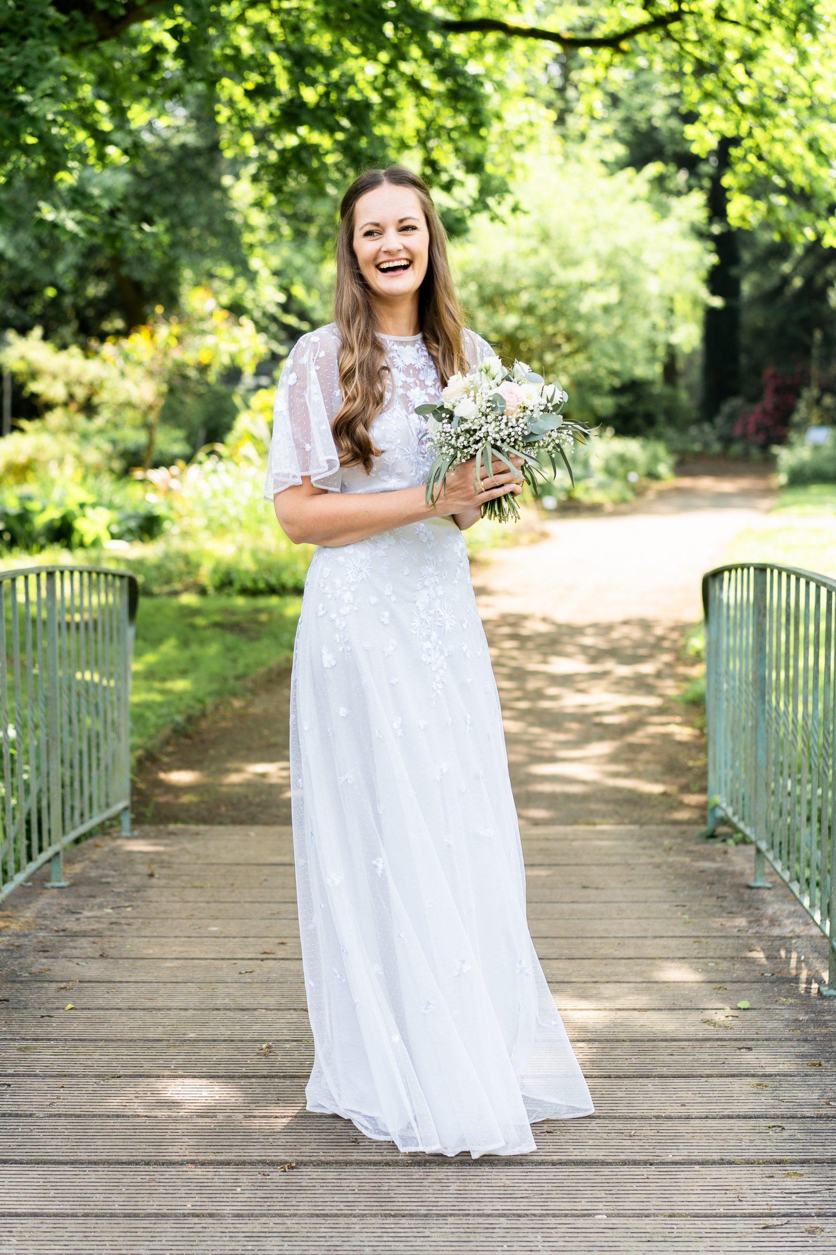 Brautkleid Hochzeitsshooting Natur naturell Natürlich Braut Bremen Rhododendronpark