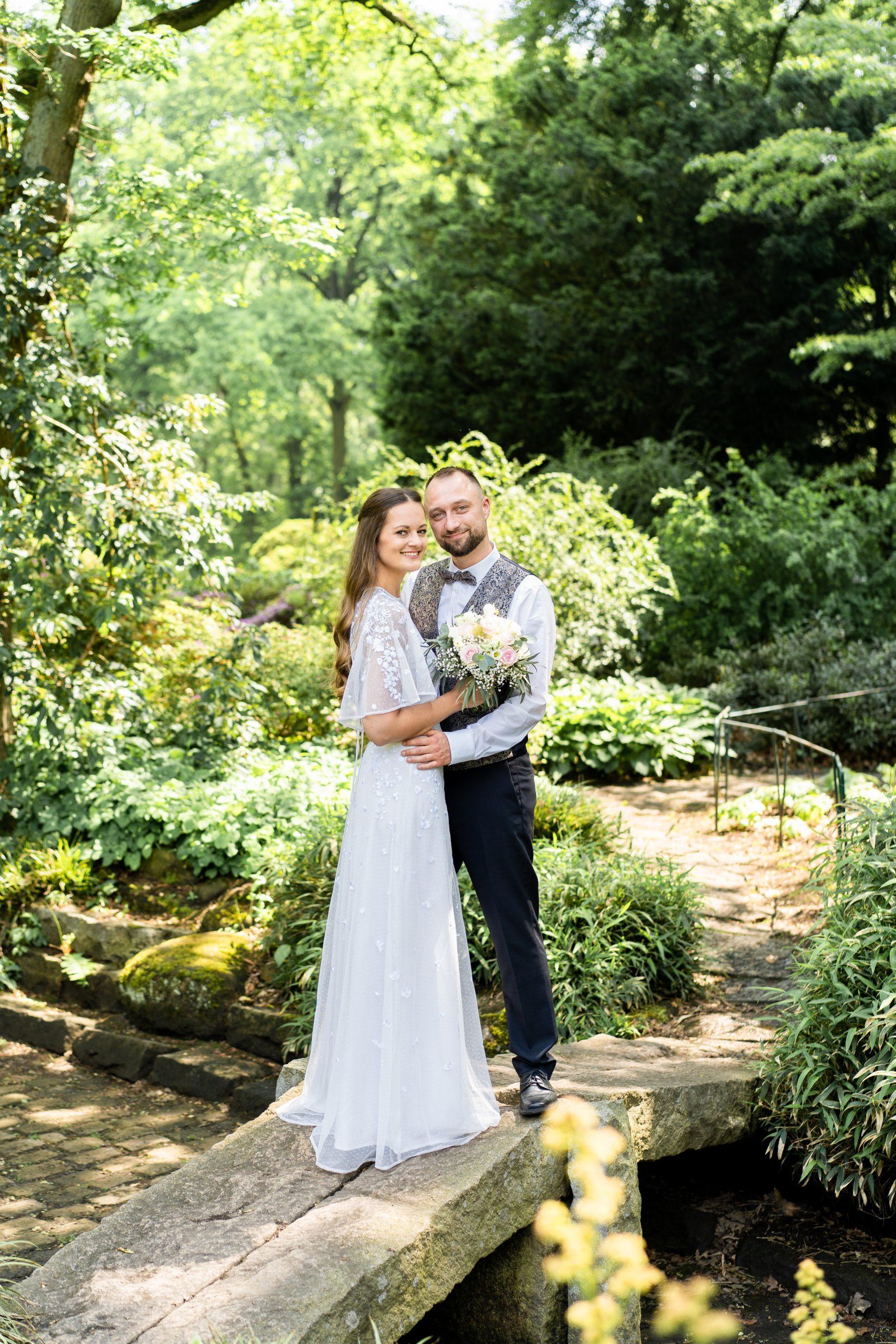 Rhododendronpark Hochzeitsfotografie Outdoorshooting Wedding Bremen Hochzeitspaar Bilder Brautpaar Brautpaar