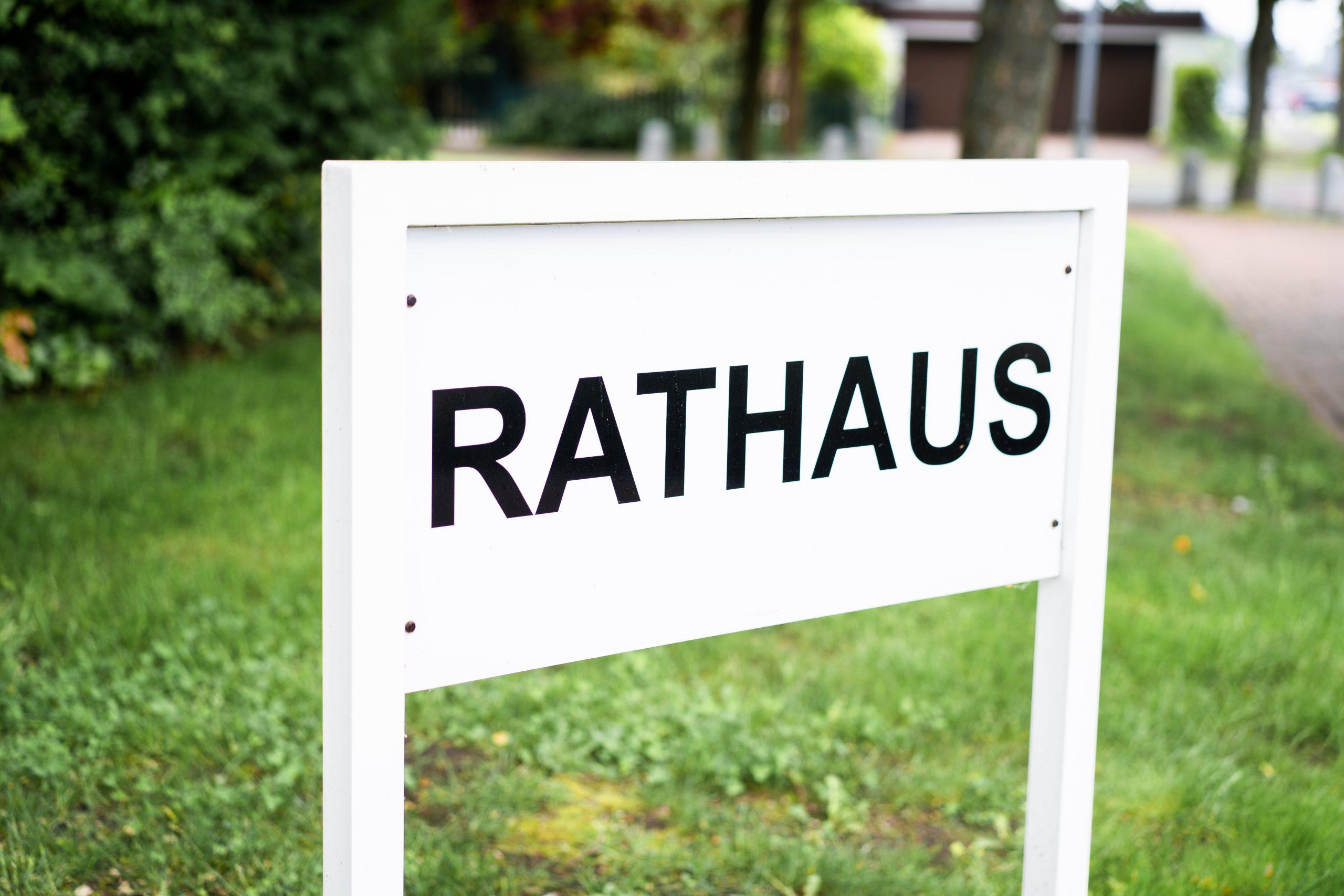 Rathaus Schild Hochzeit