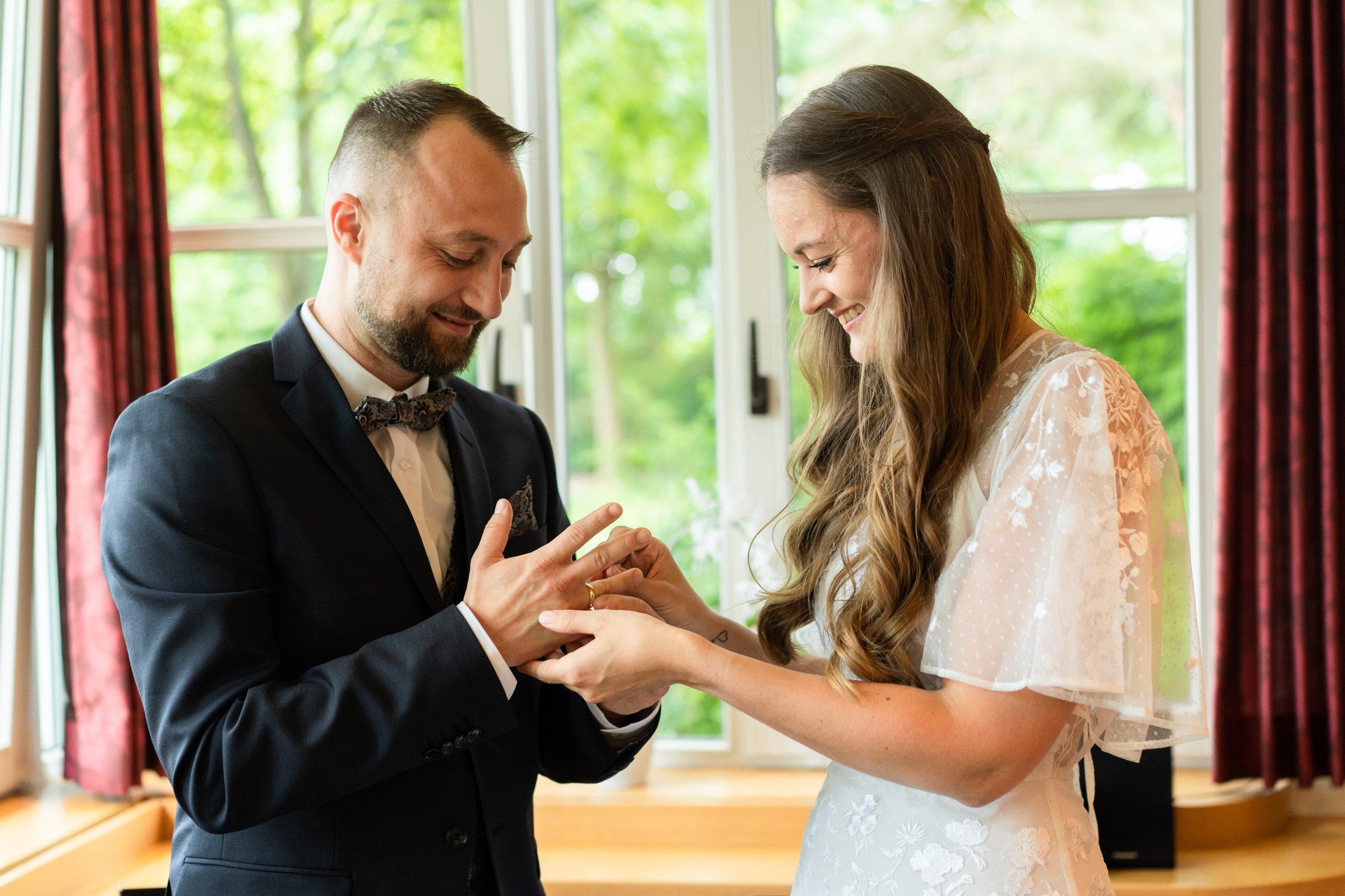 Ringtausch Foto Hochzeit Hochzeitsfoto Hochzeitsbilder Fotograf Hochzeiten