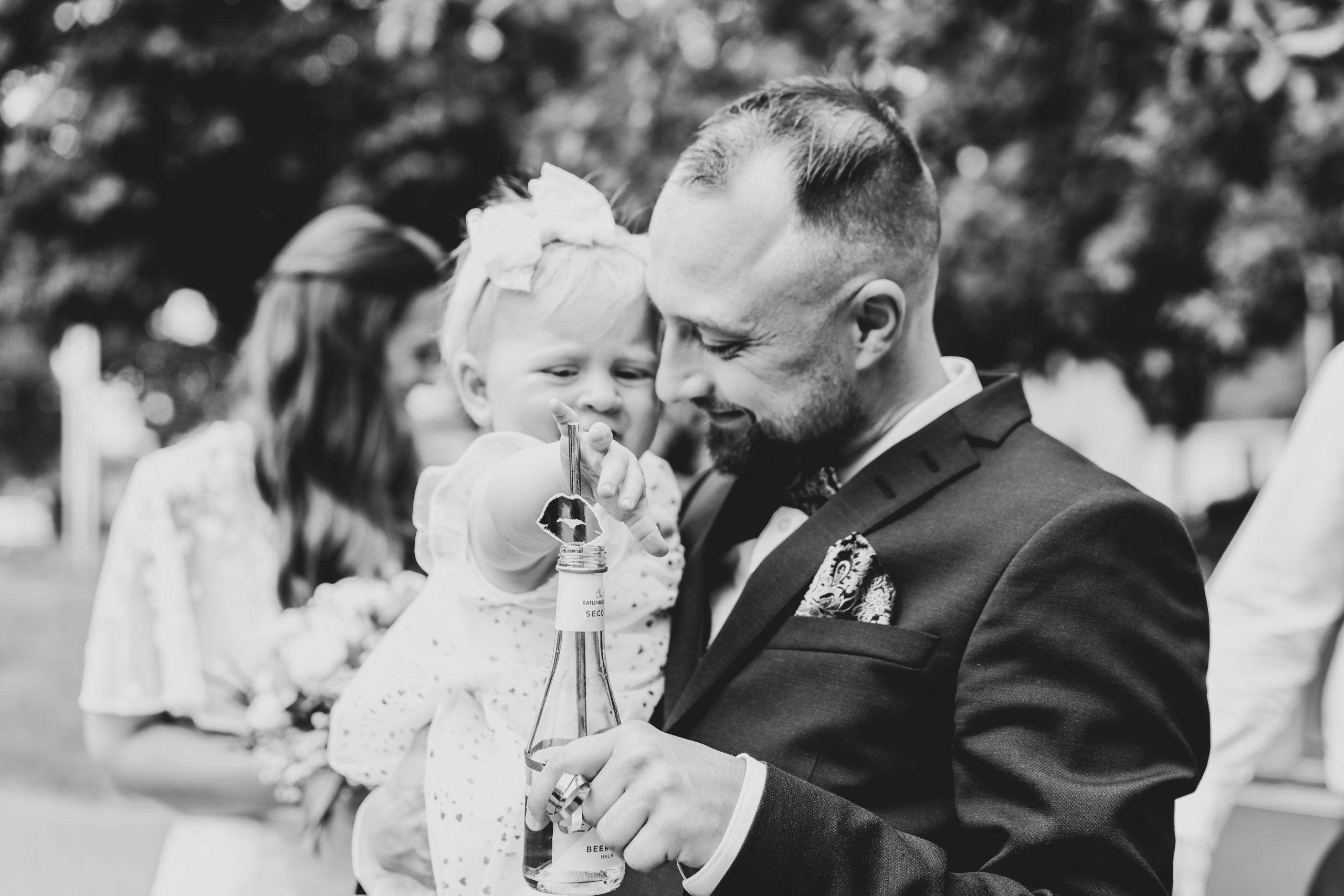 Bräutigam Kind Baby Hochzeitsempfang Hochzeitsfeier
